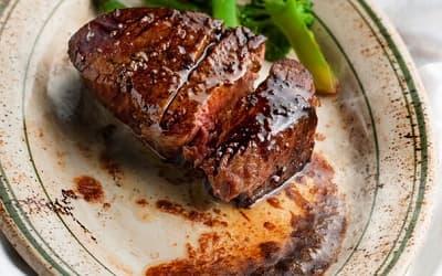 牛フィレ肉の豪快皿焼き